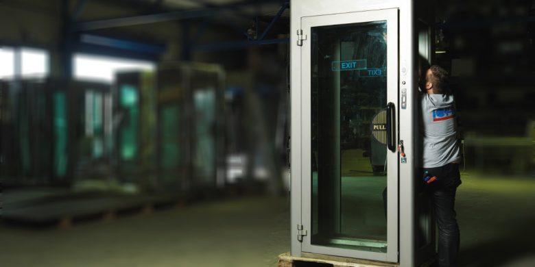 Maintenance of safe entrance interlocking cabins